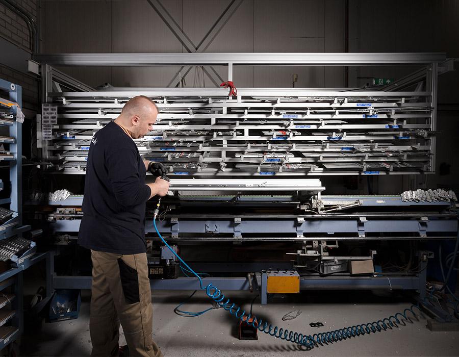 GevelNed Kunststof kozijnen -voorbewerking - vacature productiemedewerker kunststof kozijnen